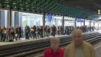 Immer mehr Menschen fahren mit der Bahn: Der Nationalrat befürwortet den Ausbau und Unterhalt der Bahn.