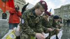 GSoA-Aktivisten demonstrieren für die «Aufhebung der allgemeinen Wehrpflicht», am 10. Dezember 2012 vor dem Bundeshaus.
