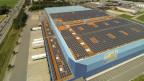 Am 19.8.2013 ging ein weiterer Teil der Photovoltaik-Anlage im Migros Verteilzentrum in Neuendorf ans Netz.