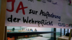 Informationsveranstaltung der GSoA «Ja zur Abschaffung der Wehrpflicht» am 30. Juli 2013 in Bern.