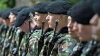 Falls die Initiative zur Abschaffung der Wehrpflicht angenommen wird, müsste die Schweiz ihre Armee wohl deutlich verkleinern.