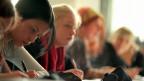 In Zürich bietet die Steiner Schule auch die Schuljahre 10-13 an,  mit einer eidgenössischen Matura oder einem Abschluss, der zum Übertritt an eine Fachhochschule berechtigt.  Sicher ein Haupt-Grund für den Boom.