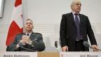 Armeechef André Blattmann und Bundespräsident Ueli Maurer an der Medienkonferenz zum Stationierungskonzept der Schweizer Armee, am 26. November.