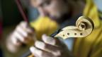 Handwerkliche Begabung ist eine der Grundvoraussetzungen für eine Ausbildung zum/zur InstrumentenbauerIn.