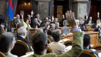 Abstimmung per Hand heben – eine schöne Tradition ist vorbei.  Bild: Das Plenum des Ständerats bei der Abstimmung am  5. Juni 2013 in Bern.