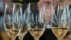 Die Weinklausel im Alkoholverkaufsverbot für Jugendliche ist sozusagen eine Waadtländer Spezialität.
