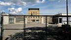Die Aufseher in der waadtländischen Strafanstalt Bochuz hatten Angst vor dem Häftling. Deswegen rückten sie nicht sofort ein, als in seiner Zelle Rauch ausbrach.