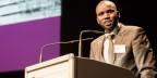 Kon Kelei an der Jahreskonferenz der Entwicklungszusasmmenarbeit 2013.