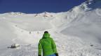 Mehrere Lawinen lösten sich am Sonntag, 5. Januar 2014 im Kanton Wallis. Drei Tourenskifahrer verloren nach einem Lawinenniedergang ihr Leben