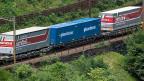 Die Lastwagen-Lobby möchte, dass vor allem noch der EU-Transitverkehr auf die Schiene muss.