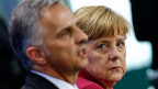 Bundespräsident Burkhalter und Bundeskanzlerin Merkel in Berlin. Merkel sagte, Deutschland werde darauf hinarbeiten, dass vernünftige Lösungen gefunden würden - unter Wahrung deutscher wie auch EU-Interessen.
