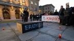 Symbolische Beerdigung des EU-Studenten-Austauschprogramms Erasmus auf dem Bundesplatz, Bild vom 20.2.2014.