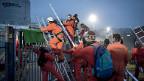 Greenpeace-AktivistInnen aus sechs Ländern dringen auf das Gelände des AKW Beznau vor.