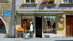 Eine Bäckerei in der Altstadt von Biel-Bienne - traditionell zweisprachig angeschrieben.