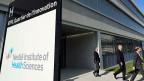 Anscheinend hat Nestlé bei den von ihr gesponserten Professuren an der ETH Lausanne ein Vetorecht.