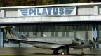 Eine PC12 vor den Pilatus-Flugzeugwerken in Stans.