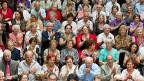 Ein Treffen der ersten Einwanderer-Generation im Mai 2011 in Zürich. Stellvertretend für alle ehemaligen Gastarbeitenden nahmen gut 700 über 70-jährige Italienerinnen und Italiener und Spanierinnen und Spanier daran teil.
