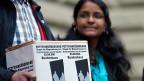 Verschiedene Menschenrechtsorganisationen reichten im Juni 2011 eine Petition ein -  gegen die Wegweisung Asylsuchender aus Sri Lanka.