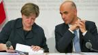 Isabelle Chassot, Direktorin im Bundesamt für Kultur, und Bundesrat Alain Berset an der Medienkonferenz zur «Kulturbotschaft».