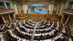 Bei der Frage «Steuerabzüge nach Bussen für die Banken» scheiden sich im Nationalrat die Geister. Nationalratssaal im Bundeshaus.