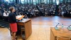 Bundesrätin Simonetta Sommaruga während ihres Eröffnungsreferats am Symposium «Zukunft Familie! Die Tagung für ein modernes Familienrecht in der Schweiz» am 24. Juni in Freiburg.