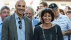 Doris Leuthard ist auffällig oft unterwegs, auf der ganzen Welt. Im Bild (rechts) mit Bundesrat Berset anlässlich ihrer Bundesratssreise am 3. Juli. 2014, in Motiers, im Val de Travers.