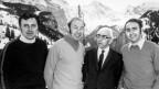 Die Organisatoren der Lauberhornrennen, von links nach rechts, Fredy Fuchs, Karl Molitor, Ernst Gertsch und Viktor Gertsch, aufgenommen im Jahr 1971 in Wengen.