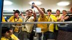 Der erste Fan-Extrazug unter gemeinsamer Verantwortung von Fan-Organisationen und SBB: YB-Fans kehren im Sepptember 2011 aus Lausanne zurück. Der Nationalrat will die Vorschriften für Fan-Transporte nicht lockern.