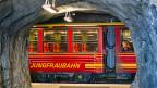 Zusätzlich zur Jungfraubahn soll eine Seilbahn mit 44 gläsernen Kabinen in der Hälfte der Zeit mehr Passagiere aufs Jungfraujoch befördern.