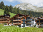 Neuere Wohnungsbauten in Davos im August 2012.