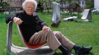 Produkte-Designer Willy Guhl. Zu seinen bekanntesten Entwürfen gehört der Scobalit-Schalenstuhl.