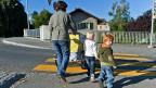 Immer weniger scheint sich die Betreuung eines zusätzlichen Kindes mit den modernen Lebensumständen vereinbaren zu lassen.