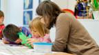 Eine erneute Lohnerhöhung für Zürcher Kindergärtnerinnen sei nicht angebracht, sagt man in der Zürcher Bildungsdirektion.