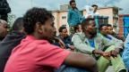 Eritreische Asylbewerber vor der Zivilschutzanlage in Lumino. Die FDP möchte sie in ihre Heimat zurückschaffen.