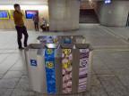 Eine Recycling-Station im Bahnhof Bern. Die SBB rüsteten 2012 den Bahnhof mit neuen Recycling-Stationen aus und lancieren so ein neues Abfallkonzept.