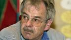 Wolf Linder, emeritierter Professor für Politikwissenschaft,  meint: «Wenn etwa Kruzifixe in Schulhäusern in ganz Europa verboten werden sollen, ist das eine Gleichmachung, die von vielen Ländern nicht goutiert wird».
