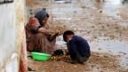 Die Schweiz leistet auf verschiedenen Ebenen Hilfe, z.B. für die Opfer des Kriegs in Syrien.