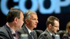 Bundespräsident Didier Burkhalter (Mitte), an der Abschlusssitzung der OSZE-Konferenz  in Basel.