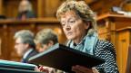 Finanzministerin Eveline Widmer Schlumpf hörte sich die stundenlange Debatte geduldig an. Obwohl sie mit dem Bundesrat eigentlich die 330 Millionen einsparen wollte sagte sie: «Keiner hat Grund zum Jammern».