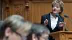 Bundesrätin Eveline Widmer-Schlumpf äussert sich im Nationalrat zum Informatikdebakel Insieme.