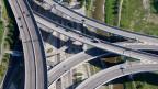 Das Autobahn-Dreieck treffen sich an der Westumfahrung in Brunau. Symbolbild.