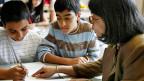 Das Thema Migration und Integration zieht sich als roter Faden durch den Unterricht, weil viele der Kinder und Jugendlichen selbst einen Migrationshintergrund haben.