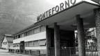 Der Eingang zum Stahlwerk Monteforno in Bodio im Kanton Tessin, auf einer Aufnahme von 1996.