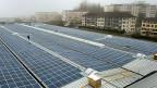 Solarzentrale im waadtländischen Perrelet. Eines der NFP-Projekte befasst sich mit den technischen und bürokratischen Hürden die auf einen zukommen, wenn man eine Solaranlage installieren möchte.