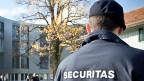 Eine Versicherung hat die Sicherheitsfirma Securitas damit beauftragt, für sie auf Patrouille zu gehen. Die Versicherung hofft,, dass die Patrouillen Einbrecher abschrecken.