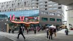 Wie ist er, der Europaplatz? Ein Passant denkt kurz nach und sagt: «Betonniert». Hart und scheinbar unverrückbar - wie die Fronten zwischen Bern und Brüssel in Sachen Personenfreizügigkeit.