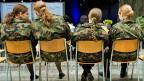 Frauen im Militär - ein Thema, das schon immer polarisiert hat.