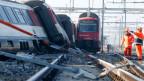 Beim Zugunfall in Rafz wurde am Freitagmorgen ein Lokführer schwer verletzt.