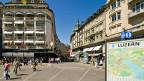 In der Hochsaison fahren am Schwanenplatz in Luzern täglich 200 bis 300 Reisecars vor; dafür stehen gerade mal drei Parkplätze zur Verfügung.