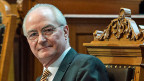 Die Aussagen von Bundesgerichtspräsident Gilbert Kolly sind bemerkenswert, denn die Mehrheit des Parlaments ist bisher davon ausgegangen, dass internationales Recht in jedem Fall höher zu gewichten sei als Landesrecht.